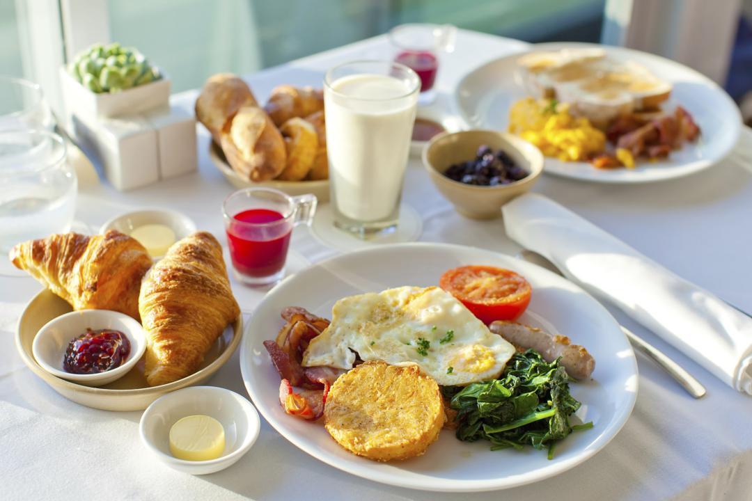 خوردن صبحانه