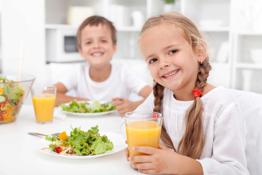علاقه مندی کودک به خوردن صبحانه
