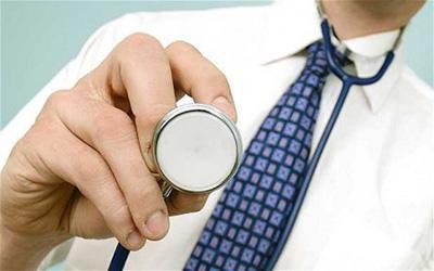 چه زمان به خاطر مشکل یبوست به پزشک مراجعه کنیم؟