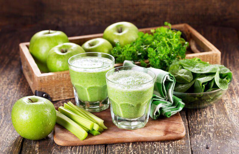 اسموتی کرفس و سیب سبز