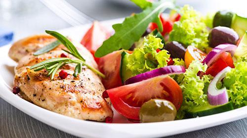 کمبود مواد مغذی ضروری از دیگر عوارض رژیم های پر پروتئین