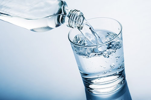 نوشیدن آب و پیشگیری از سنگهای ادراری