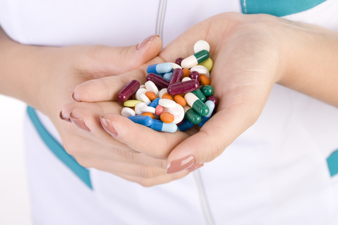 چه افرادی برای درمان نیاز به مصرف آنتی بیوتیک دارند ؟