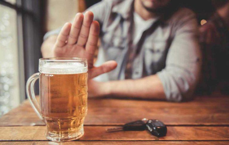 تاثیر الکل بر سرگیجه