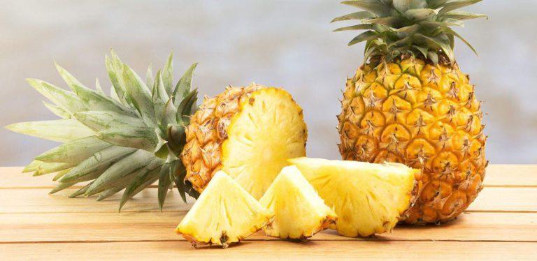 آناناس مفید برای خشکی دهان