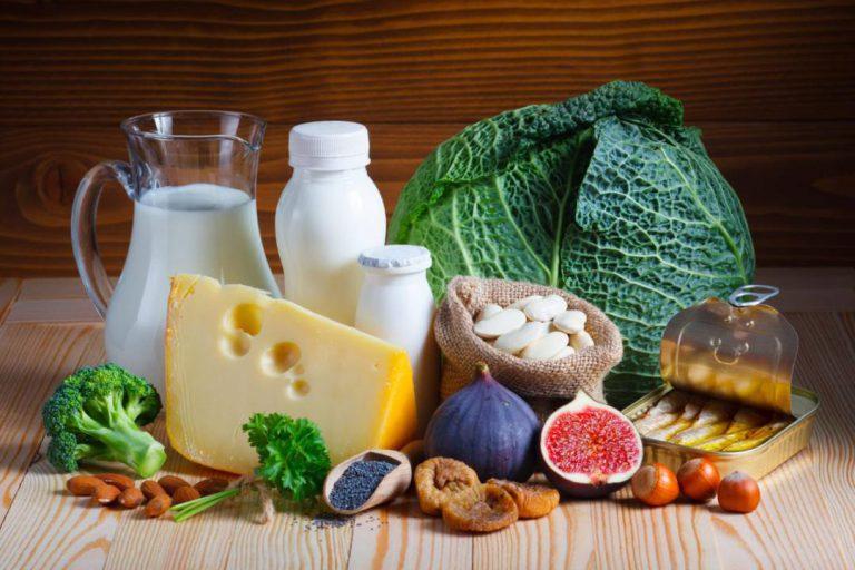 منابع غذایی کلسیم - معرفی کامل انواع ویتامین ها و مواد معدنی