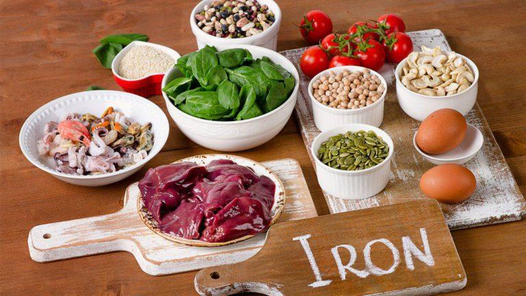 منابع غذایی آهن - آشنایی کامل با انواع مواد معدنی