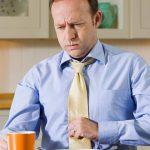 علت احساس پری و سنگینی معده چیست + بهترین درمان های خانگی